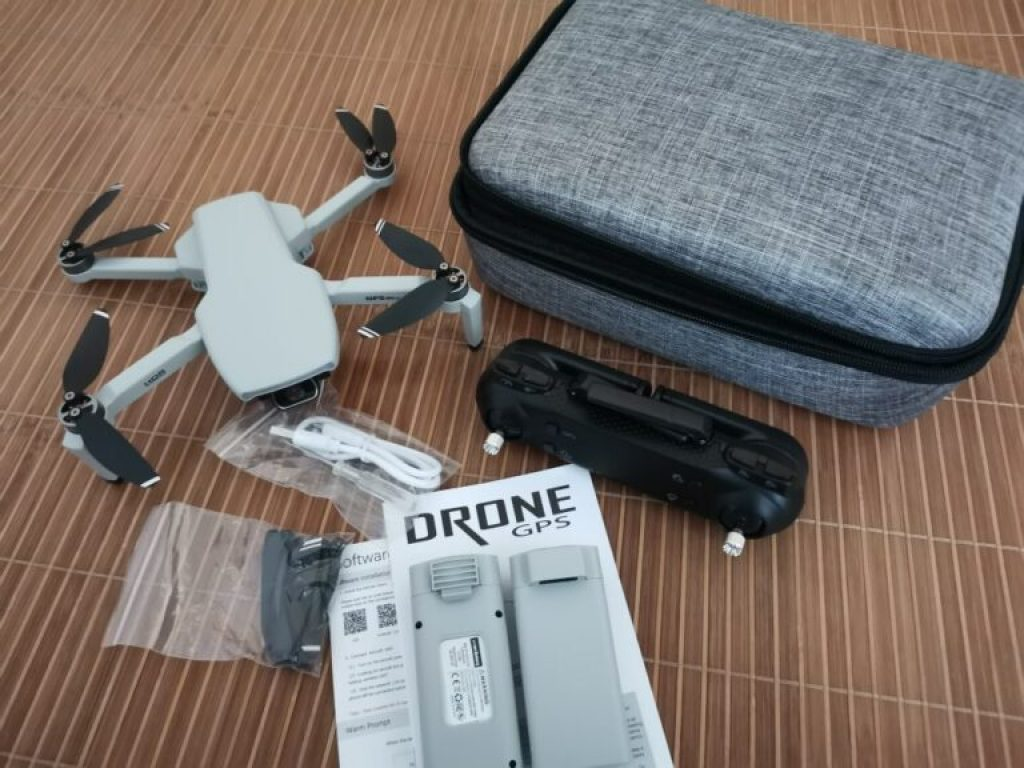 Gray-Drone-Package-Unboxed-768x576-1-1024x768